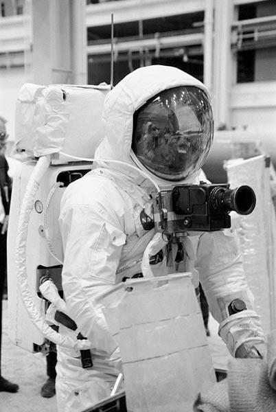 Hasselblad-500-camaras-de-fotos-en-la-luna-2