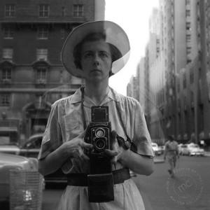 técnicas de fotografía - Shooting From The Hip - Vivian Maier
